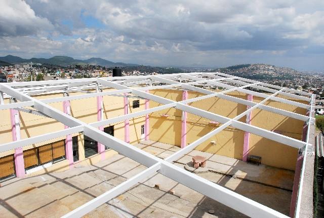 Estructuras met licas ligeras multycasetas for Modelos de techos para galerias